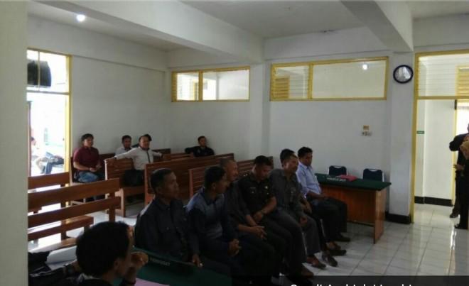 Nekat Berfoto dengan Calon Wakil Bupati, 7 Kades Dituntut 3 Bulan Penjara Denda 3 Juta Rupiah
