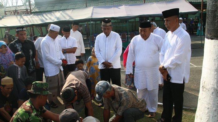 Usai Shalat Idul Adha, Prajurit Korem 091/ASN Laksanakan Pemotongan Hewan Kurban