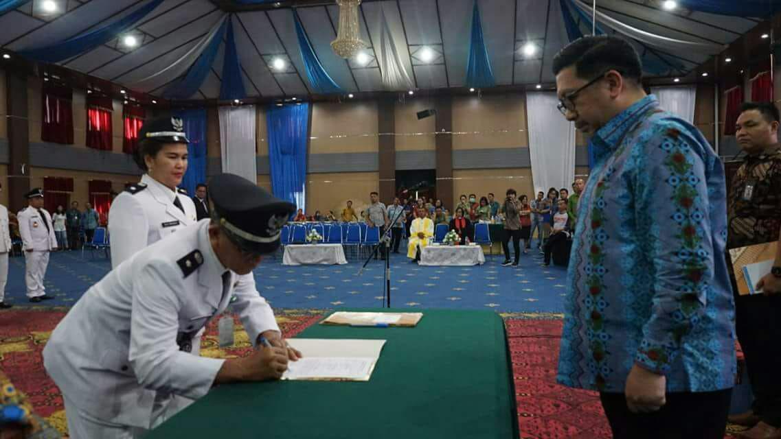 Wakil Walikota Lantik Pejabat Pengawas Kelurahan Pemerintah Kota Manado
