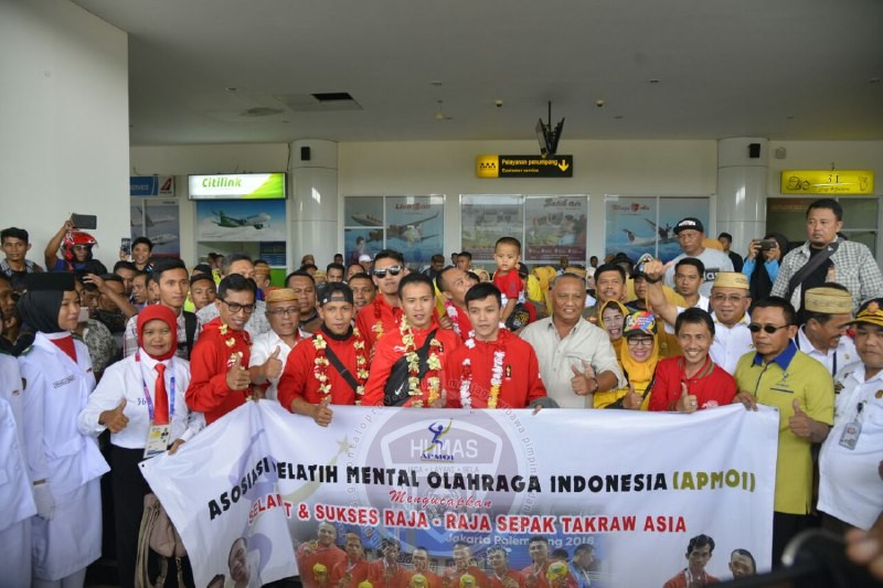 Tiba di Gorontalo, Atlet Asian Games ( Sepak Takraw ) Disambut Meriah Oleh Warga