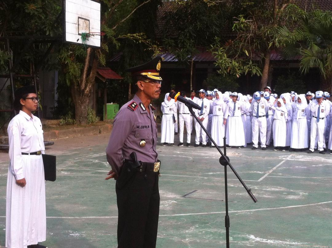 Kompol M. Jufri Rana, Bertindak Sebagai Pembina Upacara di SMA Negeri 5 Balikpapan