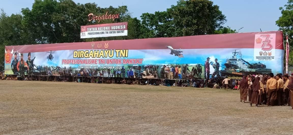 Kodam VI/Mulawarman Peringati HUT TNI Ke-73 tahun 2018 Di Lapangan Merdeka Balikpapan