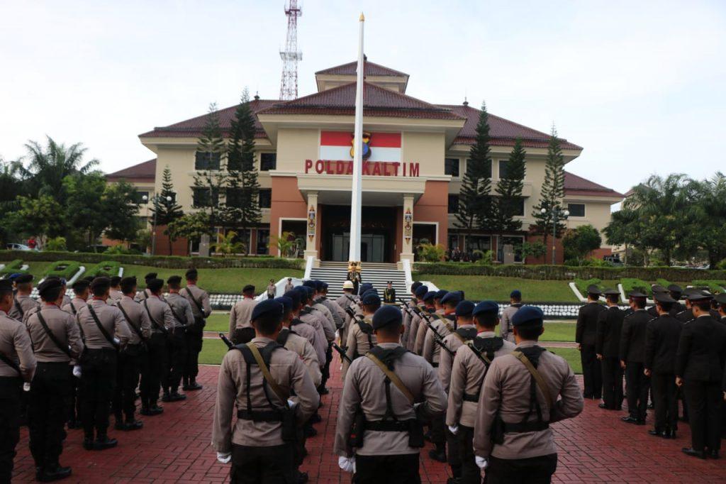 Irjen. Pol. Drs. Priyo Widyanto, M.M. Kapolda Kaltim Pimpin Upacara Peringatan Hari Pahlawan