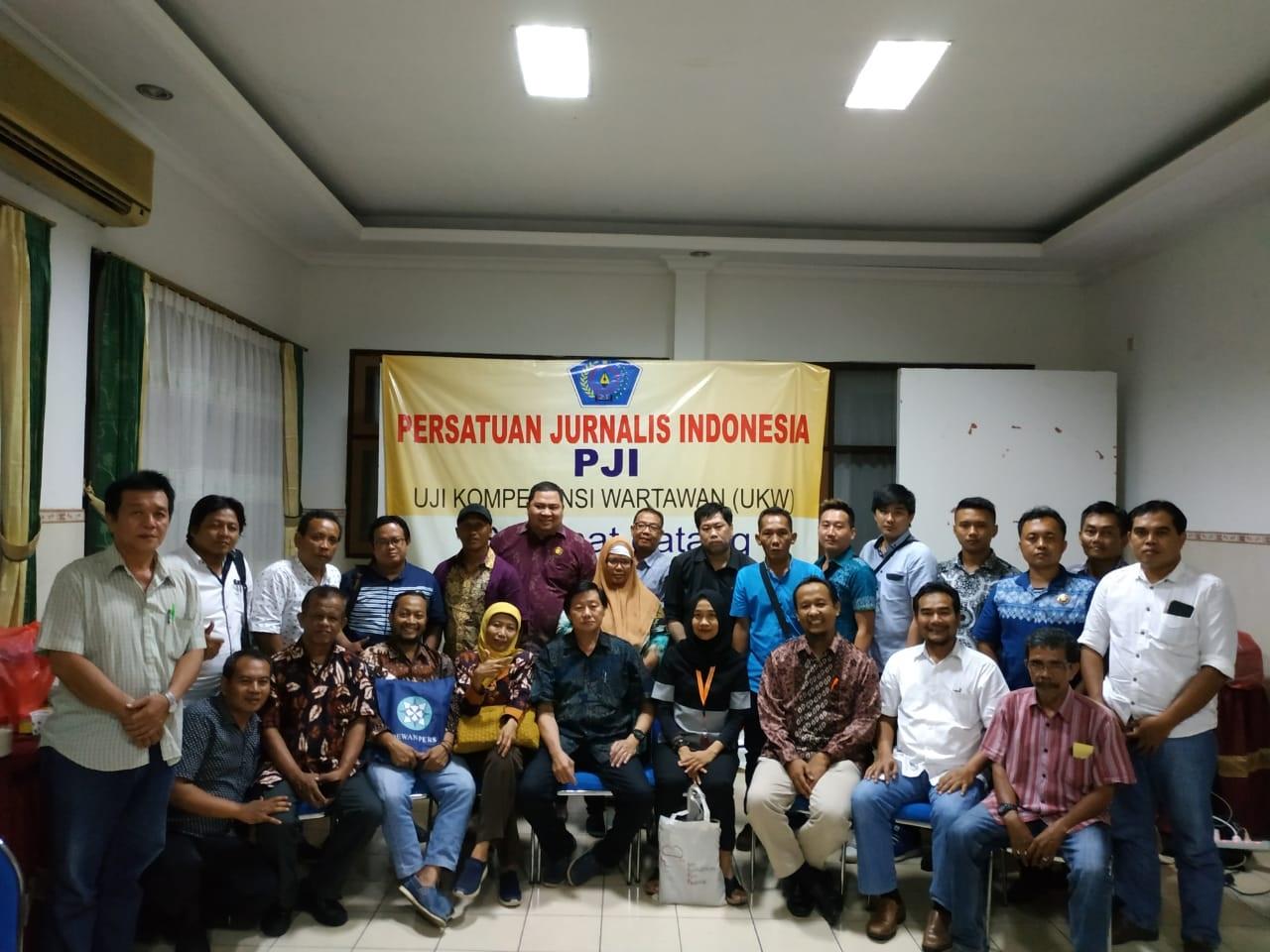 Ketua Dewan Pers Membuka UKW (Uji Kompetensi Wartawan ) Pertama di Surabaya