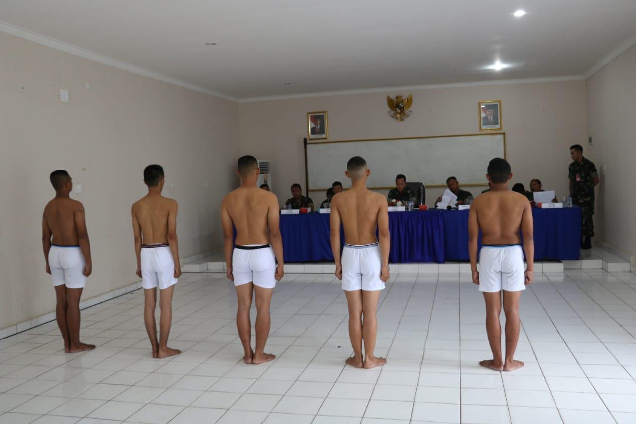 Sidang Panitia Penentuan Akhir (Pantukhir) Daerah Calon Tamtama TNI AU Di Lanud Dhomber