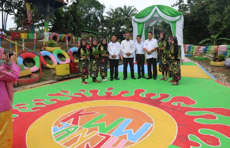 Kampung Warna Warni Desa Janju Kabupaten Paser