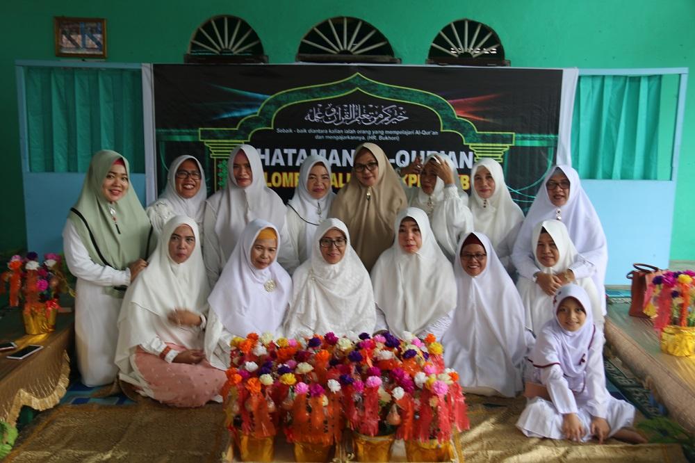 Alumni Pemberdayaan Perempuan & Keluarga Berencana (PPKB) Gelar Khataman Qur'an