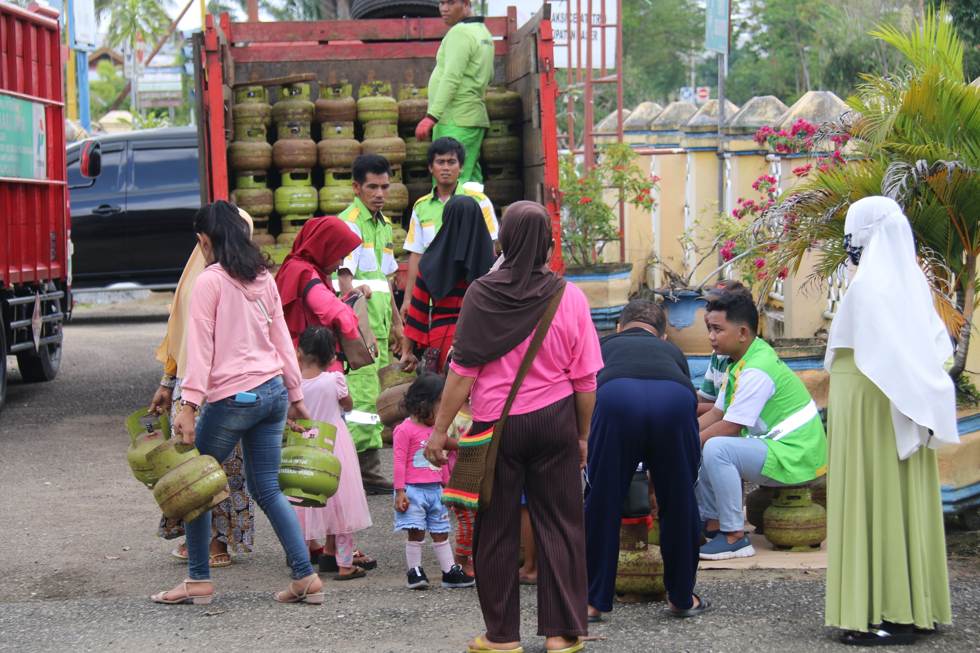 Dinas Perindusrtian Perdagangan Koperasi : Bazar Gas Elfiji 3 Kg Hanya Rp22 ribu