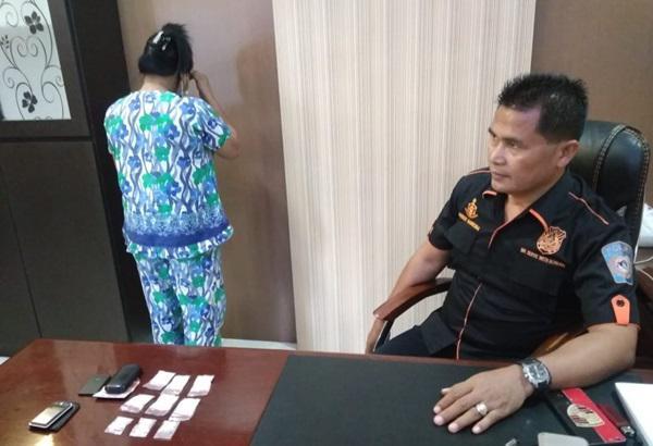 Nyambi Jadi Pengedar Sabu, Nenek Bercucu Satu di Deliserdang Ditangkap Polres Deliserdang