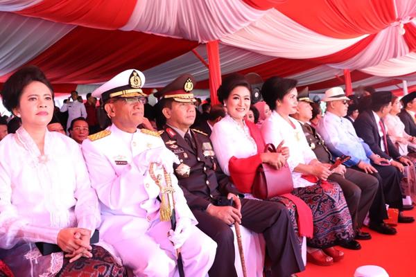 Kapolda Sulawesi Utara (Sulut) Hadiri Peringatan Detik-detik Proklamasi di Lapangan KONI Manado