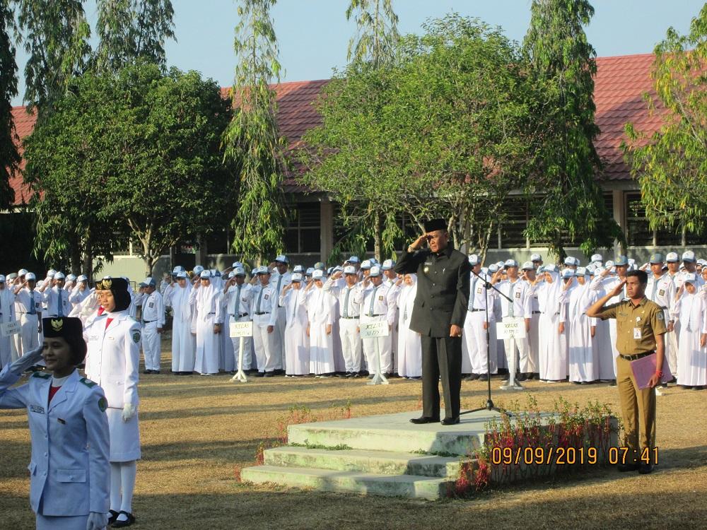 Cegah Hal Negatif, Upacara di SMA Negeri 1 Paser di Pimpin Wabup H. Kaharuddin, S.E
