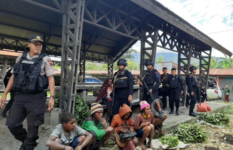 Polisi Beri Himbauan Kamtibmas di Pasar Kimbim Distrik Asologaima