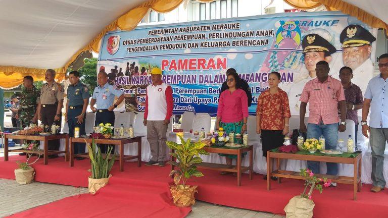 Kasat Binmas Polres Papua Hadiri Pembukaan Pameran Hasil Karya Perempuan di Merauke.