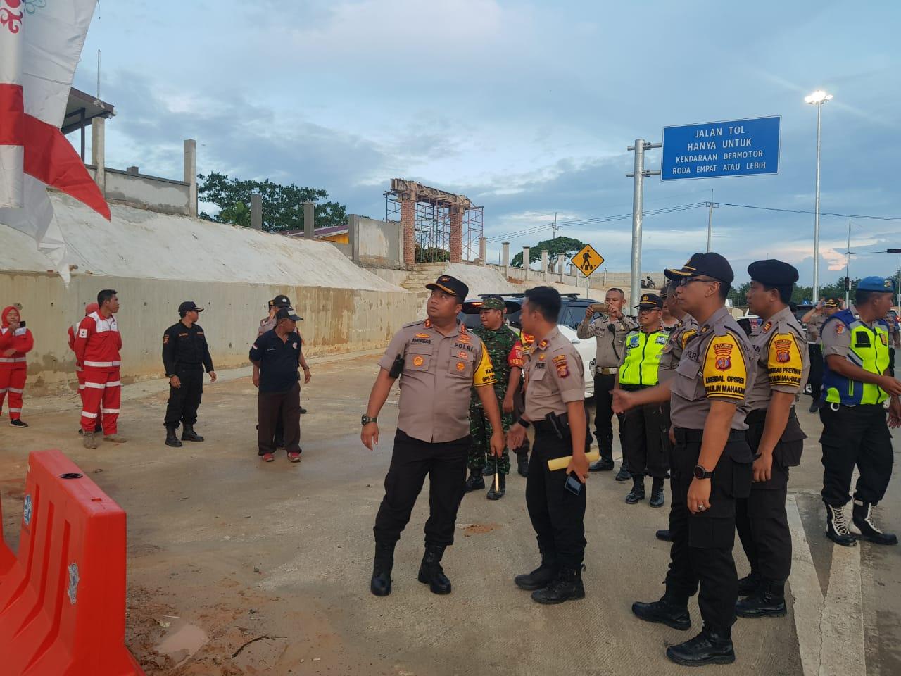Kapolres Kutai Kertanegara (Kukar) Tinjau Langsung Posko Ops Lilin Mahakam 2019
