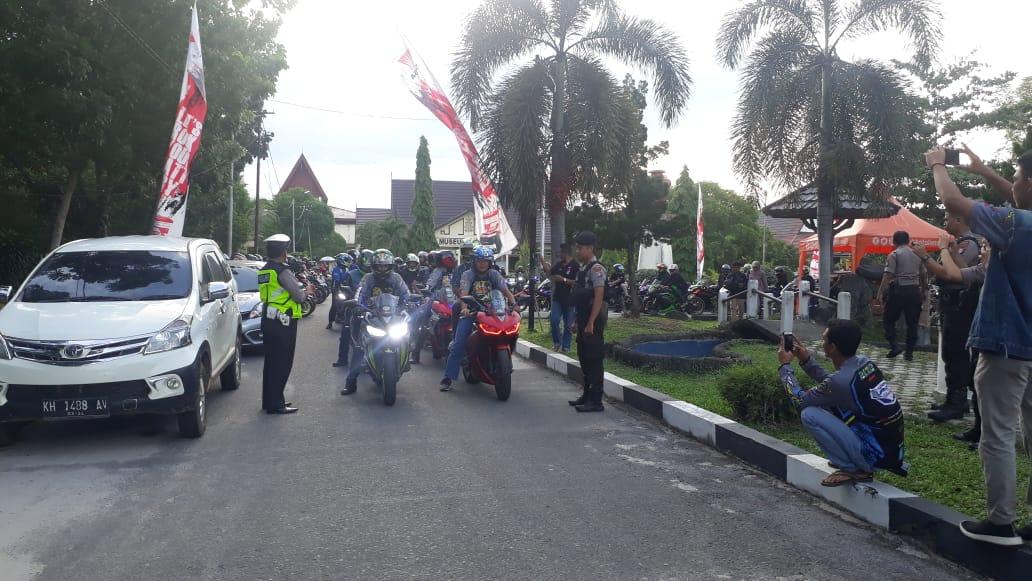 Personel Satlantas Polres Palangkaraya Kawal Rolling City Komunitas Club Motor