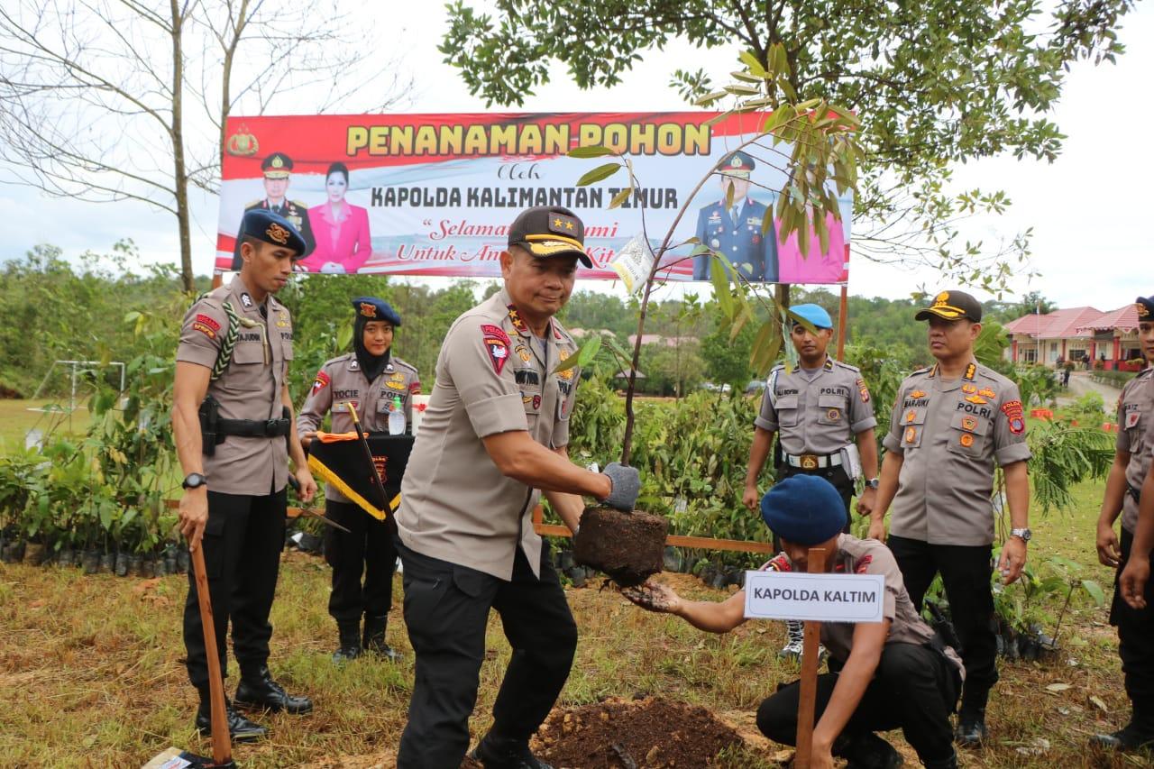 Gelorakan Penghijauan, Polda Kalimantan Timur & Polres Jajaran Tanam Ribuan Pohon