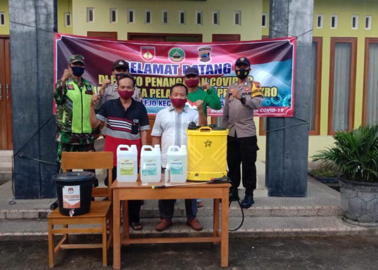 PPKM Mikro, Polisi Blora Jateng Bagikan Masker Gratis Di Posko Penanganan Covid-19