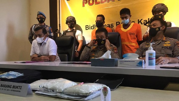 Polda Kaltim Amankan Sabu Kualitas 'Sultan' Seberat 3 Kg Asal Malaysia Beserta 2 TSK