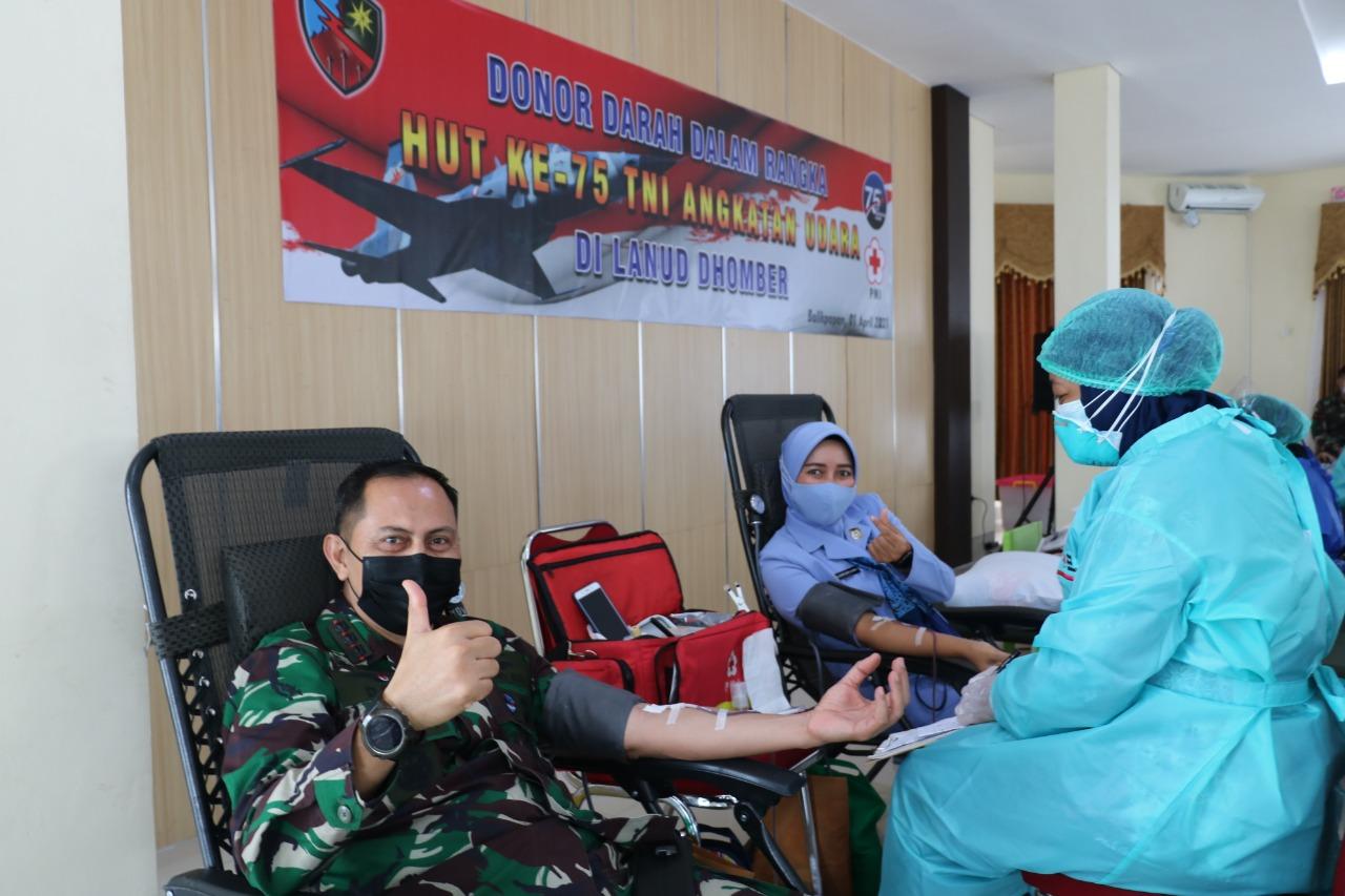 Lanud Dhomber Gelar Donor Darah Sambut HUT Ke-75 TNI Angkatan Udara
