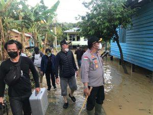 Kapolres Malinau Bersama Forkopimda Terjun Langsung Cek Lokasi Banjir di Kabupaten Malinau