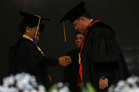 Kapolda Bali Irjen Pol. Dr. Drs. Petrus R. Golose Raih Penganugerahan Gelar Doktor Kehormatan
