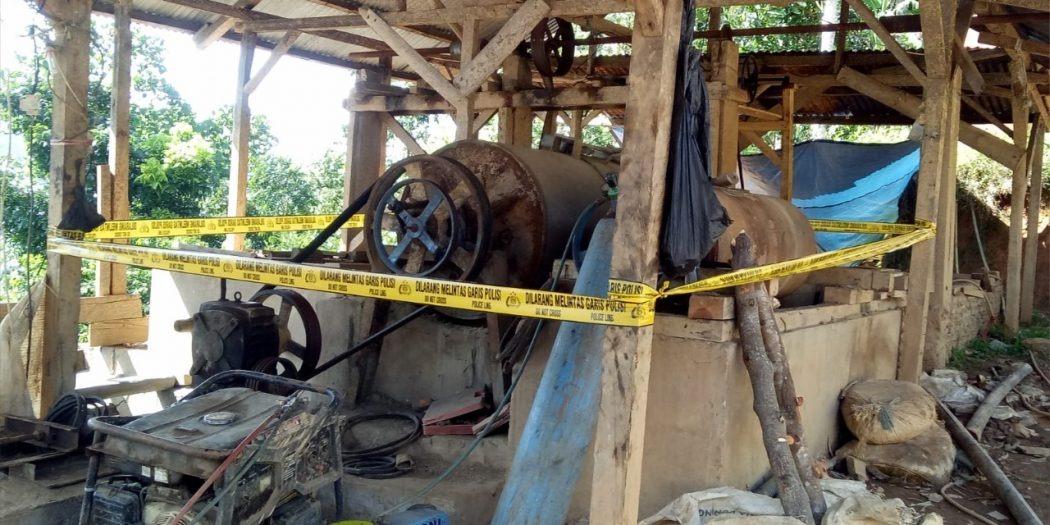 Ditreskrimsus Polda Banten Ringkus 5 Orang Tersangka Penambangan Ilegal di Gunung Liman