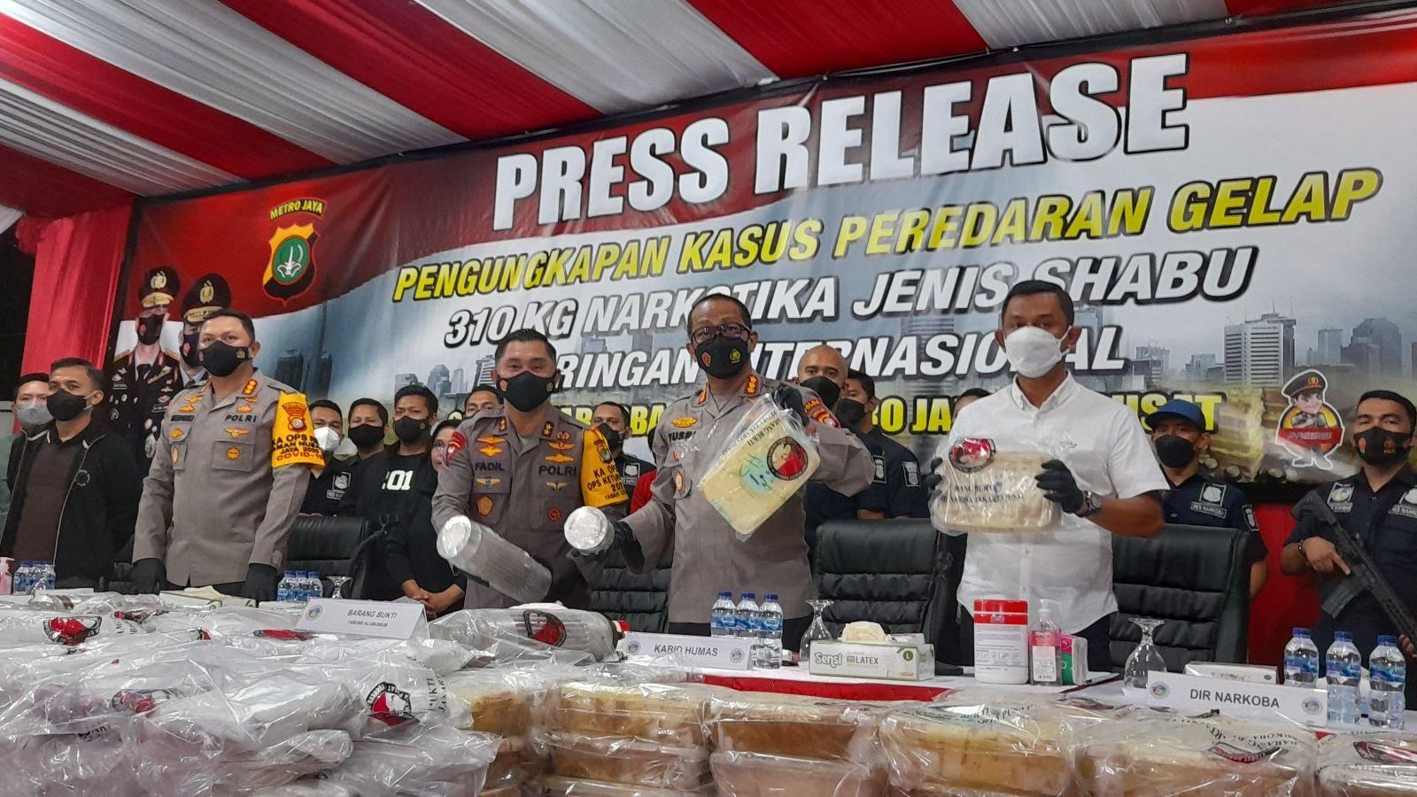 Aksi Operasi Senyap Polri, Dua Tersangka dan 310 Kg Sabu Senilai Rp400 M Disita