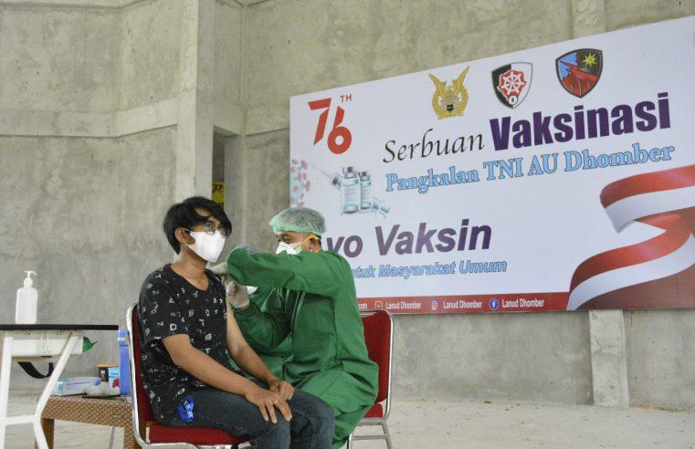 Warga Disekitar Lanud Dhomber Kaltim Sambut Baik Serbuan Vaksinasi Covid-19