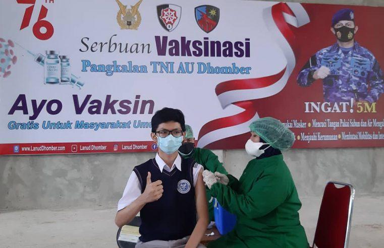 Lanud Dhomber Vaksinasi Siswa SMA Pradita Dirgantara Berasal Kalimantan Timur