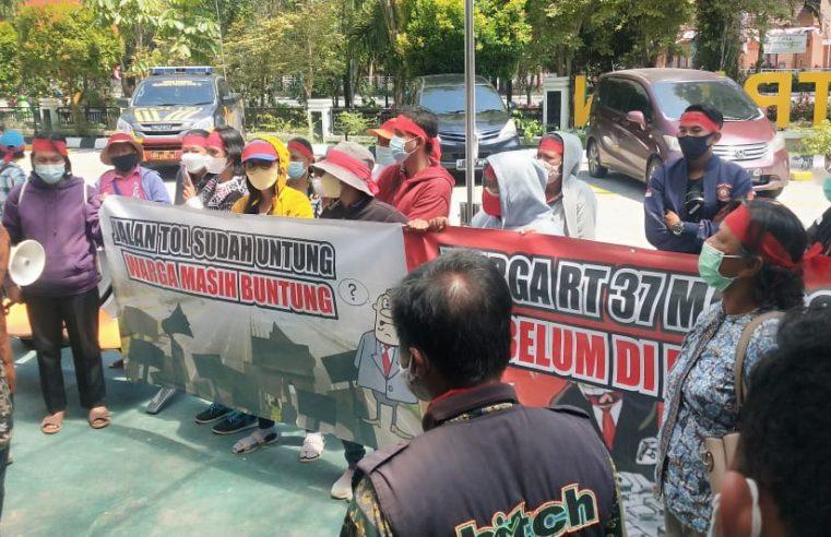 Warga RT 37 Kelurahan Manggar Baltim Mendatangi Kantor Pertanahan ATR/BPN Kota Balikpapan