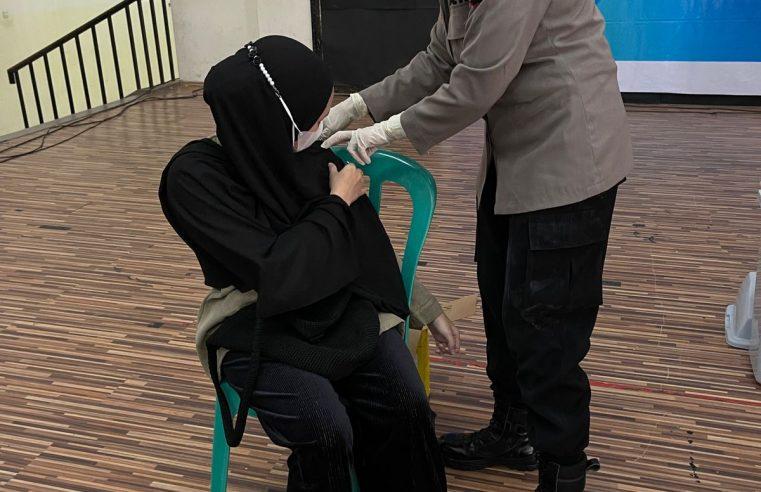 "Peran Polwan Polda Gorontalo & Polres Jajaran  ""Polwanku Vaksinatorku """