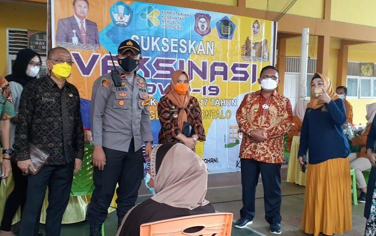 Polsek Kota Timur Gorontalo Lakukan Vaksinasi di Tiga Lokasi